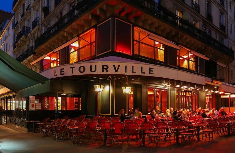 Gay nightlife in Paris
