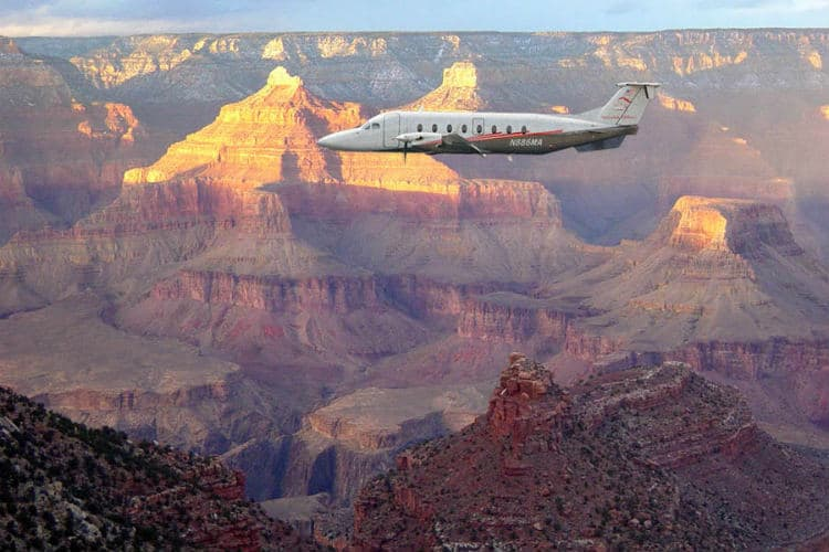 Valentine's day Couples plane tour to Grand Canyon