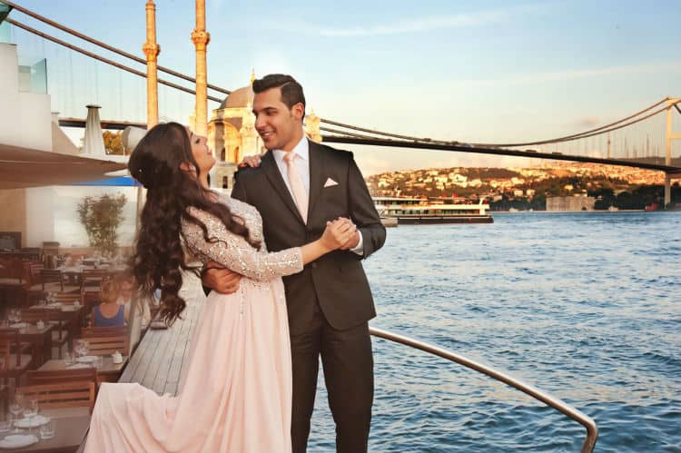 Istanbul is romantic place for wife