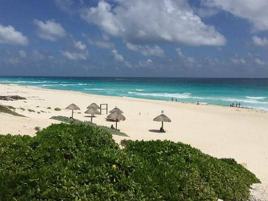 Playa Delfines Cancun beach