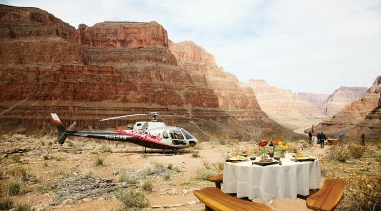 Romantic helicopter tour on Valentine's Day in Las Vegas