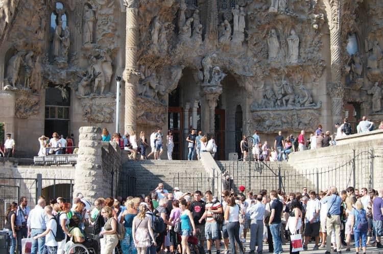 Sagrada Familia tickets to avoid crowd