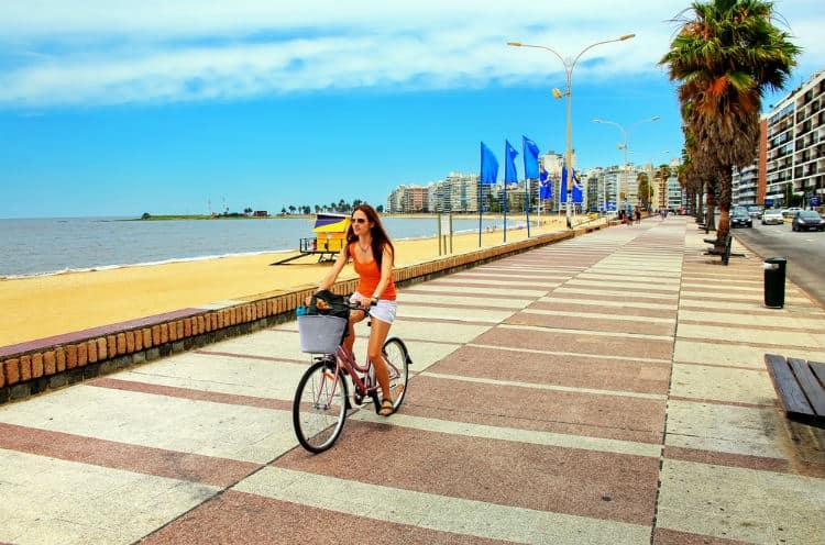 Budget travel to Uruguay