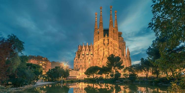 Are Sagrada Familia towers worth it