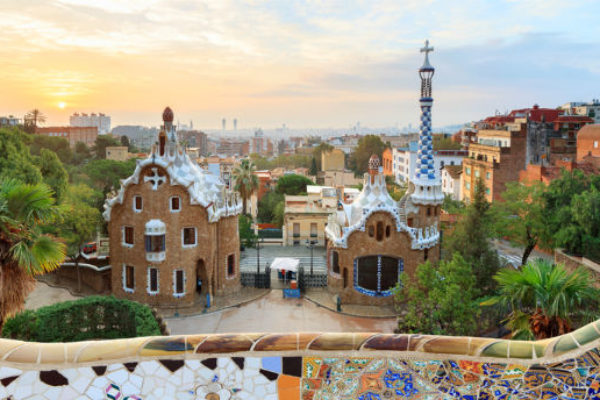 Get to Park Guell from Sagrada Familia