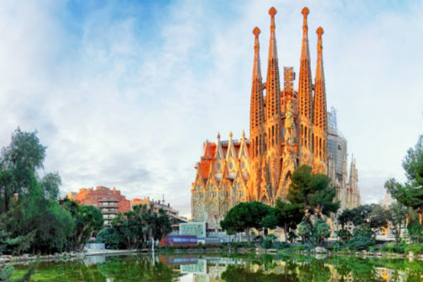 Get to Sagrada Familia from Park Guell