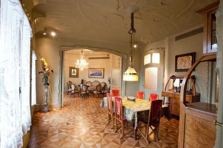 La Pedrera inside - Casa Mila inside photos