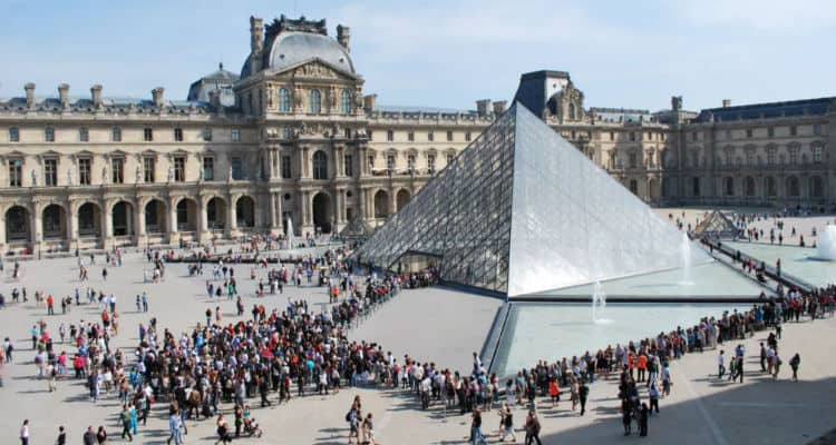 louvre museum entrance fee to enter how to get in without waiting